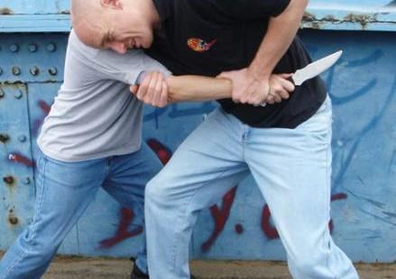 مبارزه در برابر چاقوكش - مدیر ذهن