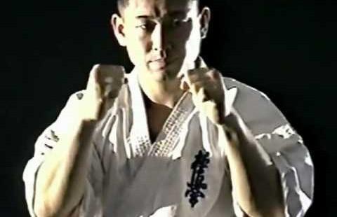 ویدیو کلیپ: آموزش تکنیک دست در کیوکوشین - مدیر ذهن