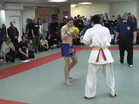 ویدیو کلیپ: مبارزه کیوکوشین و موی تای - مدیر ذهن